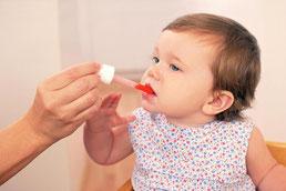 La prise de médicaments au domicile de l'assistante maternelle