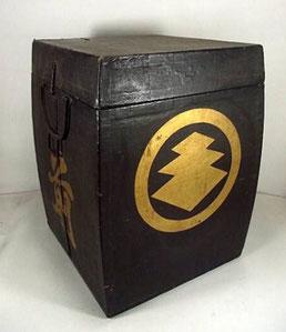 Imanishi Family Tochiagatanushi clan Samurai Armor box