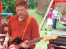 Paul, Bass