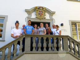 Studenten vom Bodensee Campus besuchen das Bischoffsschloss iN Markdorf
