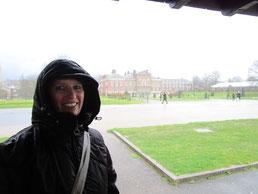 Regenschutz an einem Unterstand