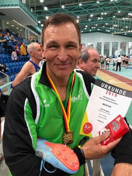 Das harte Training während der letzten Monate hat sich für ihn ausgezahlt: Rolf Kropka freut sich über seinen Meistertitel.