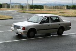 愛媛県運転免許センター試験車両