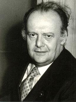 ティト・ゴッビ(1913−1984年)(バリトン)  写真は1970年のもの。