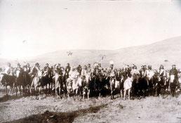 Nez Percé–Indianer aus der Gruppe von Häuptling Joseph im Frühling 1877,
