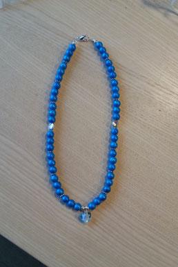 Mädchen Halskette mit blauen, marmorierten 8mm Glasperlen, Herzanhänger aus Glas mit kleiner feiner Rose, Blumen  Metallperlen sowie runden Metallperlen Oblate.