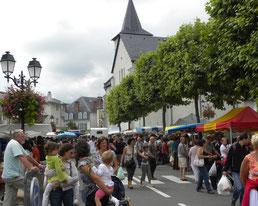 Marché Argelès-Gazost hautes-Pyrénées et gîte Casa Bonita