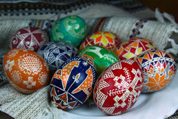 uova decorate a mano romania pasqua