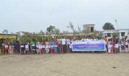 政府関係者や地域住民など13 名の大人と162 名 の生徒が活動に参加。一大イベントとなりました