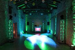 White Decibel DJ anime des soirées au Château La Hitte dans le Sud-Ouest