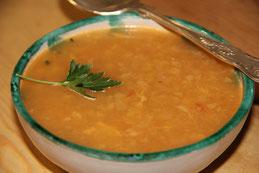 Sopa de puerros, repollo y apio