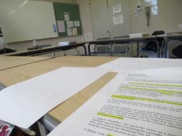座談会は英語で行われる。英語の特訓中