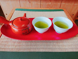 静香園の深蒸し茶