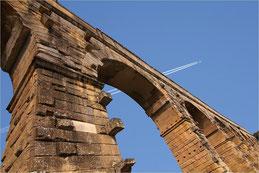 La croisée des mondes. Pont du Gard