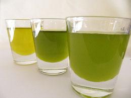オイルの色は熟度、品種、搾り方によって異なってくる。