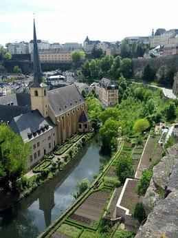 【ルクセンブルク市】             ※緑の多いとても素敵な国です