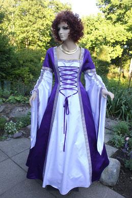 Mittelalter Gewand für Damen, Maßanfertigung, Satin, weinrot,blau,grün,lila, viele Farben, alle Größen.