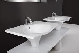 freistehende badewannen mineralguss oder holz badefieber. Black Bedroom Furniture Sets. Home Design Ideas