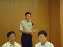 Ⅱ部の交流会で挨拶をする県測協西川副会長