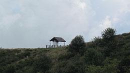 A sinistra il Pedum. a destra la Colma di Premosello, in basso la Val Grande
