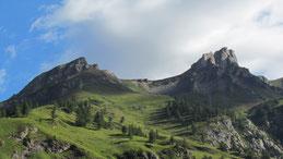 Dal mare di nuvole sbuca il Mottarone