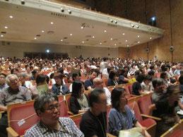 満員の観客