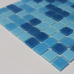 Mosaico in pasta di vetro azzurro mix