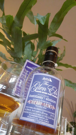 Glen Els Distillery Edition Sherry Casks Flasche und Glas