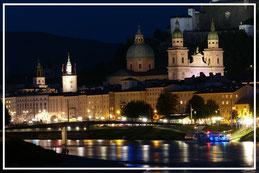 Salzburg Mozart Amadeus Mozartkugel Nacht Salzach