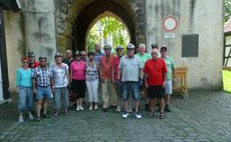 Gruppenbild vor dem Paulusturm