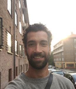 Yoga Lehrer bei Ashtanga Yoga Institut München