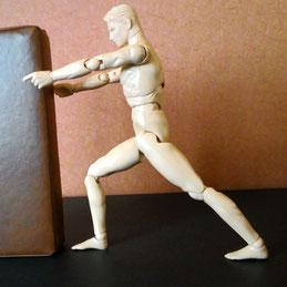 アキレス腱のストレッチする人形
