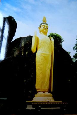 Stehender Buddha, Tempelanlage nahe Unawatuna, Sri Lanka