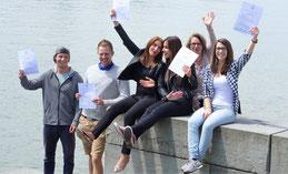 Unsere Studenten aus dem Studiengang Gesundheits- und Tourismusmanagement feiern Ihr Q-Zertifikat