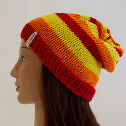 b-beanie in rot-orange-gelb gestreift