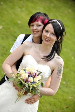 Trauung eines homosexuellen Paares, Homo-Ehe von Schwulen und Lesben