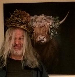 Die Ähnlichkeit ist verblüffend: Der Mensch stammt von der Kuh ab!