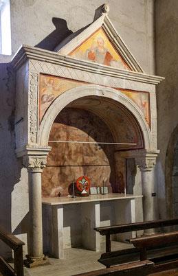 Abazia di Santa Lucia, Rocca di Cambio. L'Aquila