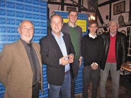 v.l.n.r. Hubert Möller, Dr. Joachim Stamp MdL, Patrick Büker, Benedikt Surmann, Manfred Hegel