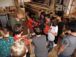 Kinder im Holz-Technik-Museum