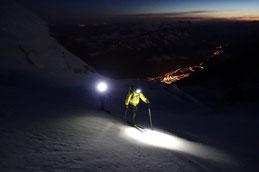 mitten in der Nacht gehts Richtung MB 4808, tief unten CHX