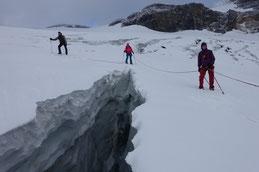 Abstieg vom «Strubel» über den Lämerengletscher