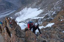 der steile Gipfelaufschwung auf den schwierigsten 4000er