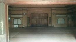 文徳殿内部の写真