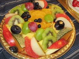 こちらは豪華フルーツの盛り合わせ