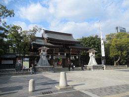 湊川神社正門付近
