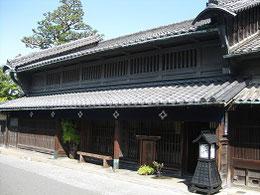 1790年新築「井桁屋」      230年経た現在の建物