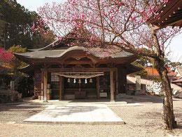 高津柿本神社                万葉歌人の柿本人麻呂を祀る神社