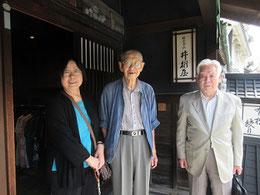 服部豊さん(中央)、山根兼昭さん(右)