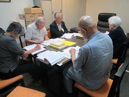 講師の堀尾哲朗さん(左から2人目)